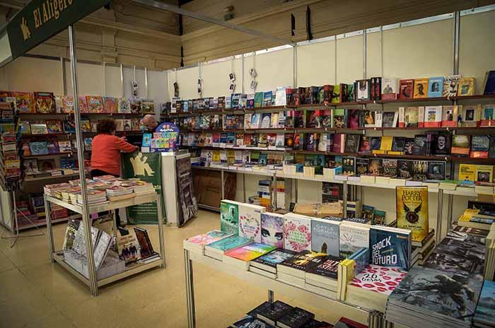 Tras 17 días de actividad, última jornada de la Feria del Libro