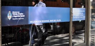 Denuncian despidos y precarización en la Secretaría de Trabajo