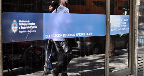 El gobierno nacional volvió a prorrogar la prohibición de despidos y suspensiones