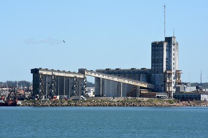 Efectivizaron el traspaso del predio de silos de Nación a la Provincia