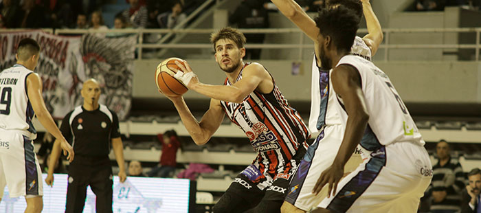 Quilmes y una ajustada victoria ante Bahía Basket