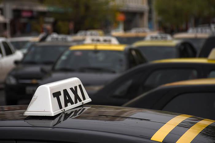 "Tarifa de taxis: ""Va a tener que subir muy poco"""