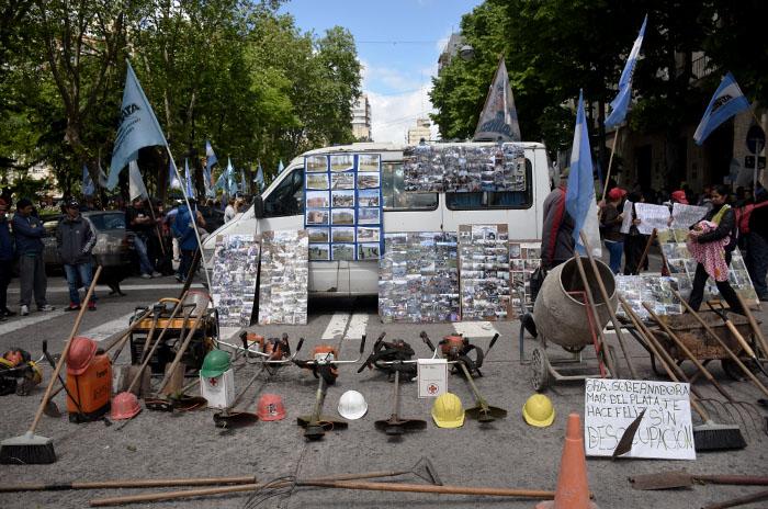 """Una protesta al lado de otra: """"Mar del Plata no nos hace feliz"""""""