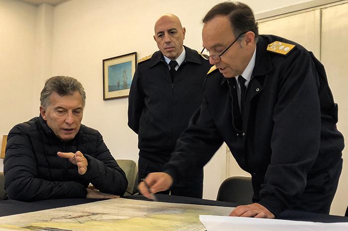 """Macri pidió """"usar todos los medios para localizar el submarino"""""""