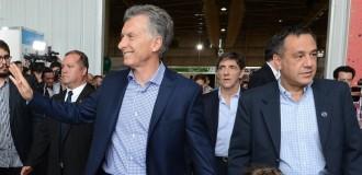 Macri tuvo que aterrizar de emergencia en un campo