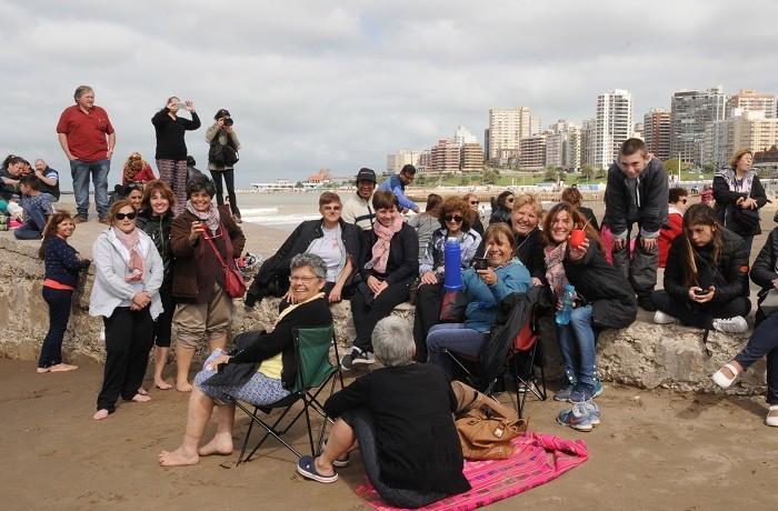 Mar del Plata 11-11-17 Mateada en Playa Bristolfoto: Fabián Gastiarena