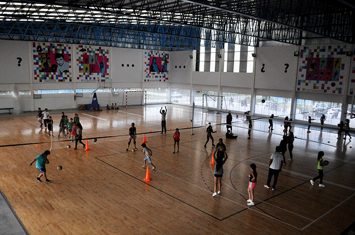 Buscan crear cooperadoras en los polideportivos barriales