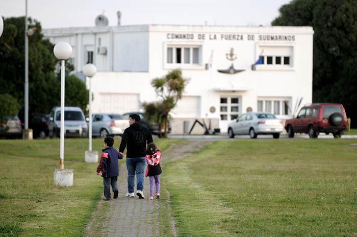 Submarino: la asistencia a los familiares en la Base Naval