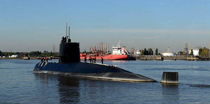"""Submarino San Juan: """"No hay asociar avería con emergencia"""""""