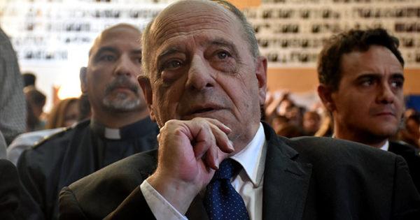 Vidal envía proyecto para reducir cargos políticos y ahorrar $ 600 millones