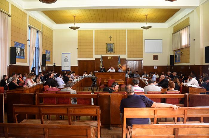 En medio de la paralización, el Concejo sesionó por la basura