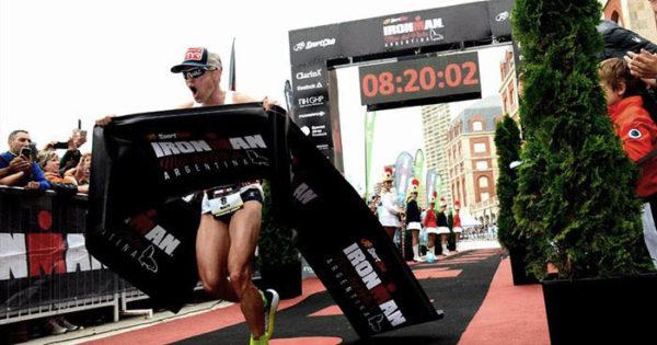 """Matt Chrabot y Sarah Piampiano, los """"Ironman"""" de Mar del Plata"""