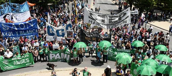 Distintas protestas y marcha contra la reforma laboral