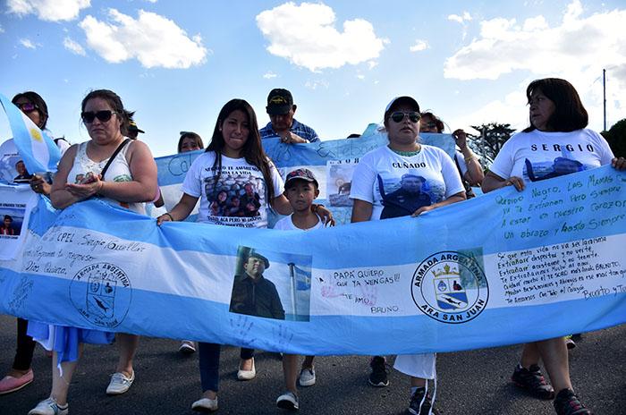 """ARA San Juan, más de 100 días y una pregunta: """"¿Dónde están?"""""""