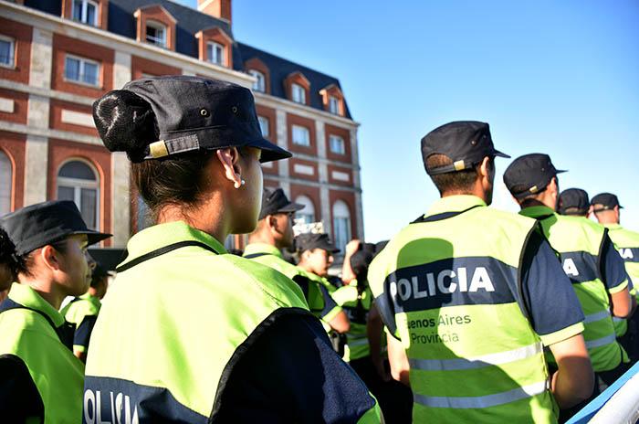 Vidal anunció que habrá 6500 policías más en la calle