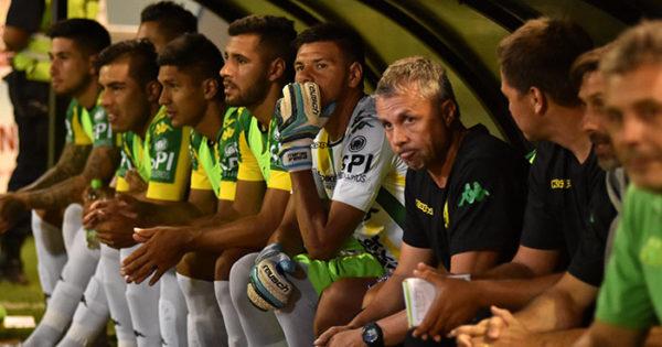 """Álvarez: """"La entrega y rebeldía de este equipo fueron una constante"""""""