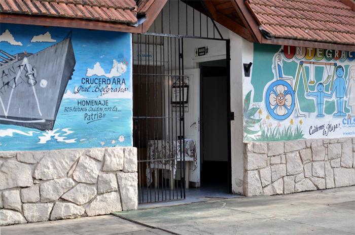 """Baños en plazas: denuncian una """"privatización encubierta"""""""