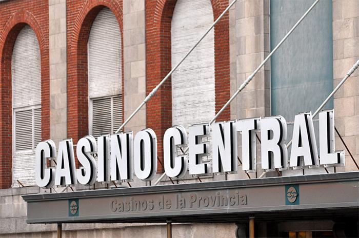 """Casinos: """"Direccionan al apostador al juego privado"""""""