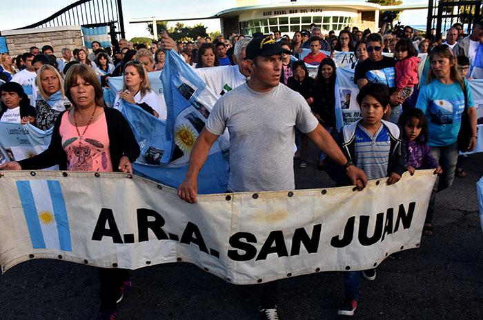 Submarino: a dos meses, dolor, desolación y reclamos a Macri