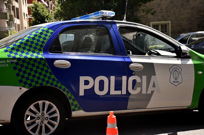 Rompieron un blindex y robaron en un comercio: dos detenidos