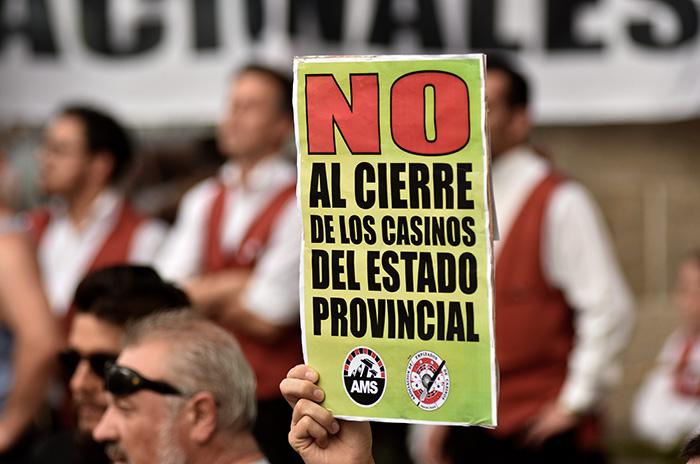 Reclamo por los casinos: cese de actividades y protestas