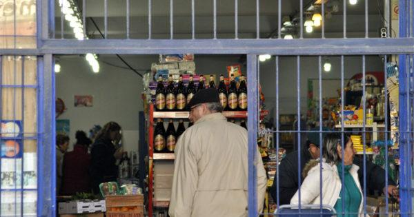 Piden que los comercios puedan vender alcohol hasta las 23