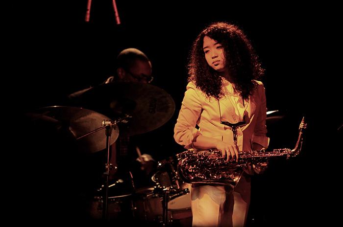 La saxofonista Erena Terakubo se presenta en Mar del Plata