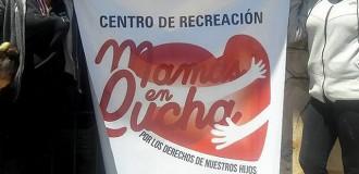 """La colonia de """"Mamás en lucha"""", a la espera de solidaridad"""