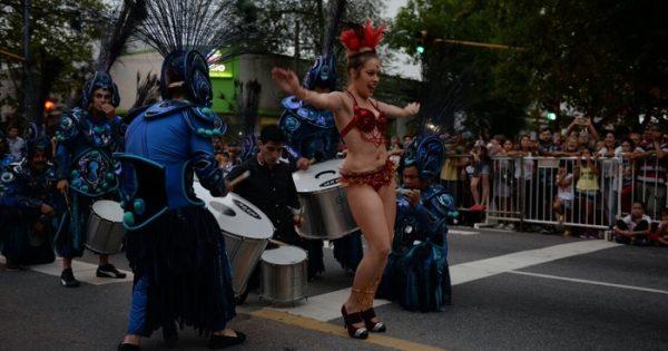 Carnaval: el lunes, calles cortadas por el corso central y más festejos