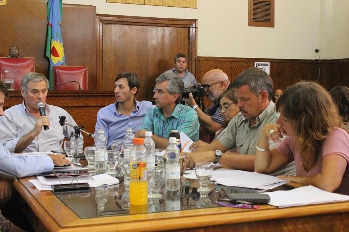 Basural: el oficialismo aprobó en comisión la emergencia ambiental