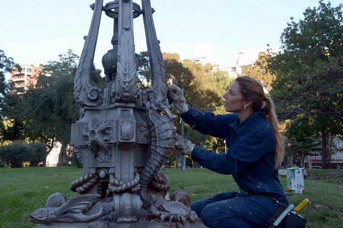 Plaza Mitre estrena su paseo con 19 farolas de la antigua Rambla