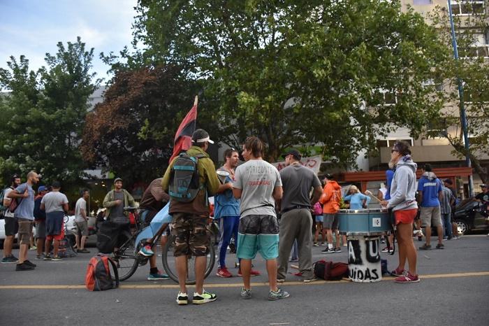 Guardavidas anunciaron un paro en la puerta de un fin de semana clave