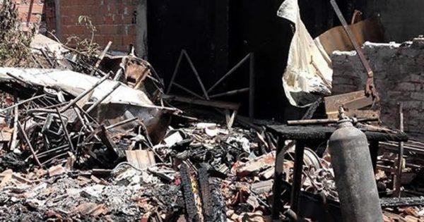 Un incendio destruyó una casa y piden ayuda