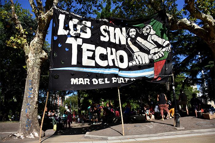 Acamparon seis horas por una deuda: Arroyo prometió pagarles