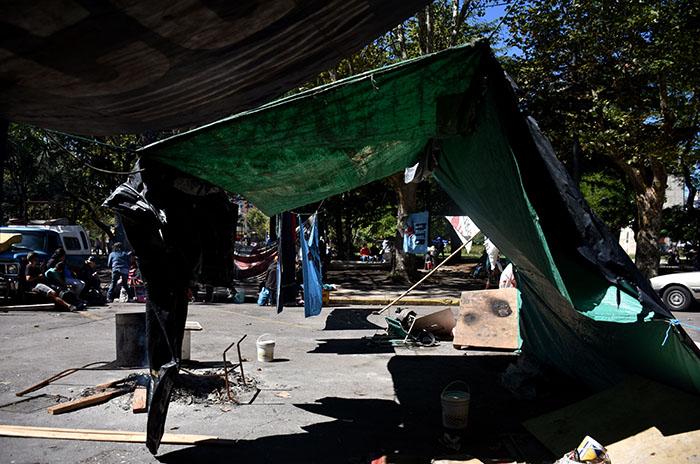 Tras 23 días en la calle, se levantó el acampe frente al Municipio