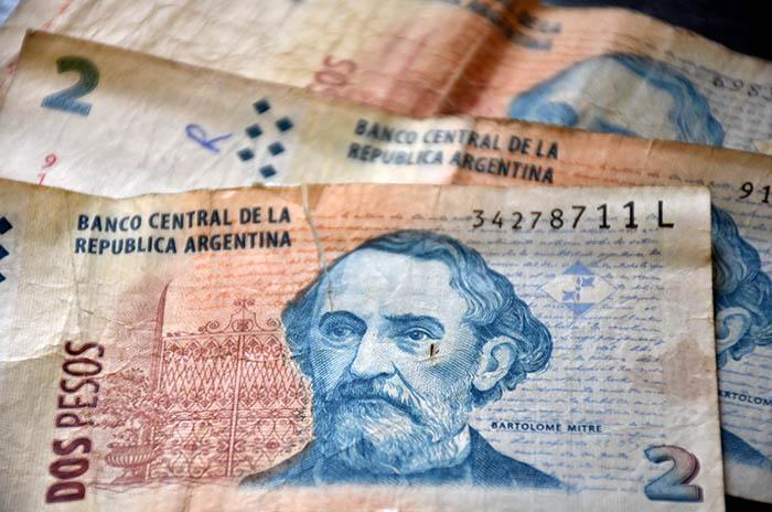Últimos días para canjear en bancos los billetes de $2