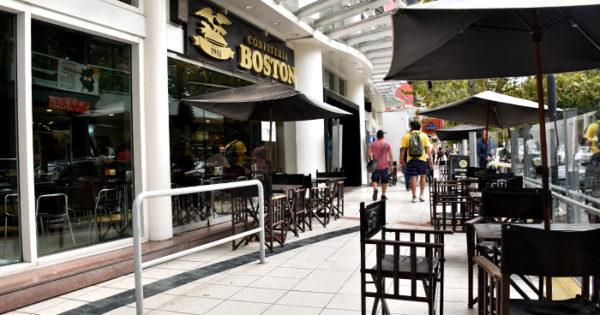 La Boston: promesa de pago y libertad de acción a los empleados