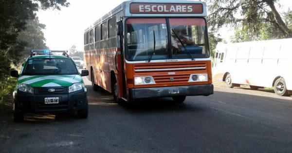Educación: dejaron a más de 120 chicos con un solo colectivo