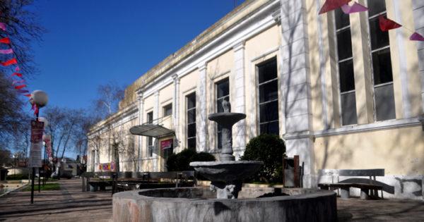 Podrían privatizar la Plaza del Agua para dársela a Espacio Clarín