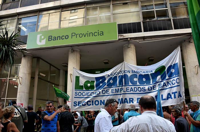 Ratificaron el paro y no habrá bancos durante martes y miércoles