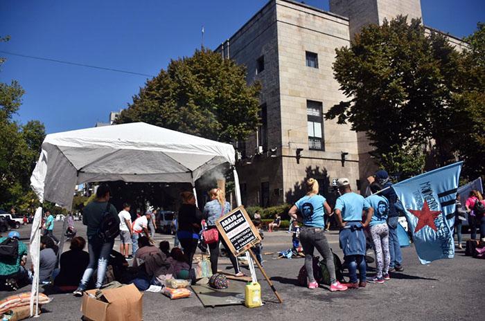Acampe, día 7: el gobierno fue a la Justicia sin atender los reclamos