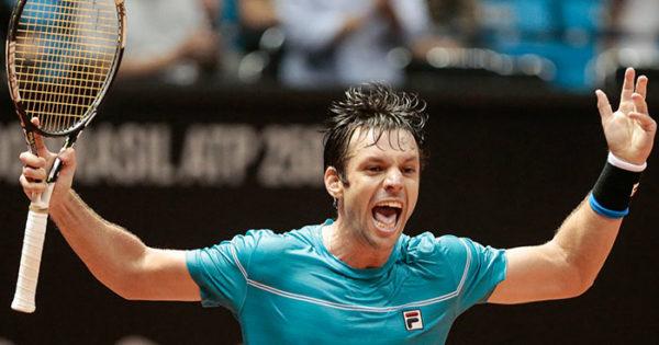 Ahora sí: Zeballos dio el golpe y eliminó a Monfils del Brasil Open