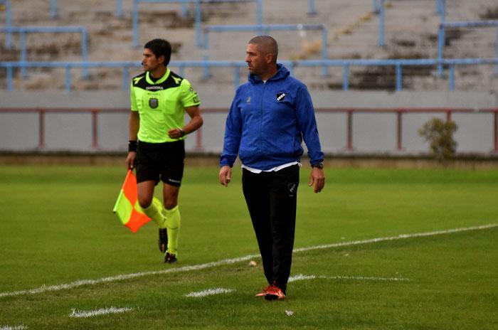 Mauricio Giganti seguirá siendo el entrenador de Alvarado
