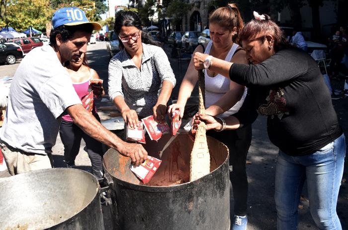 COOPERATIVAS RECLAMO EN EL MUNICIPIO 03