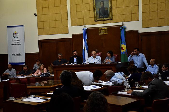 Presupuesto y tasas: el oficialismo demoró siete horas la sesión