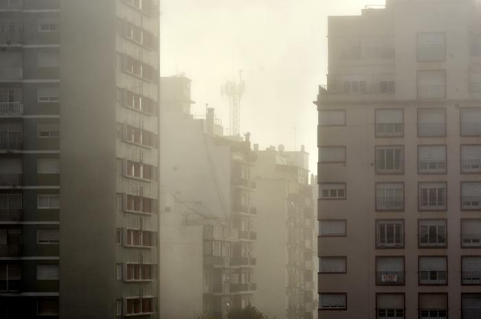 Tras el calor de la mañana, una tarde con niebla en Mar del Plata
