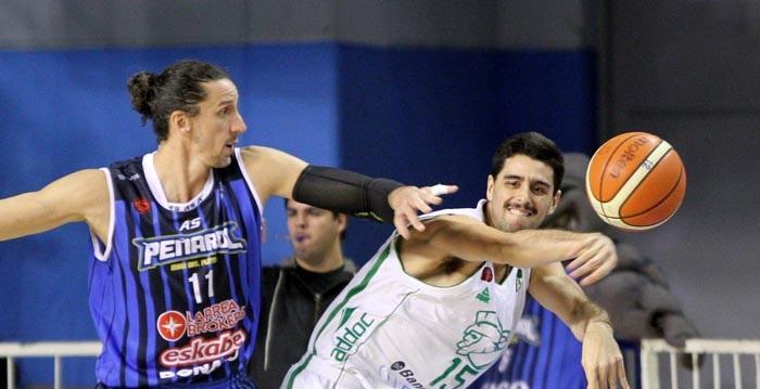 Peñarol no pudo ante un contundente Atenas