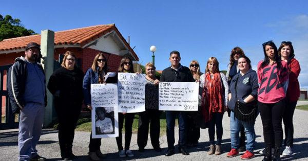 Padres y prestadores de IOMA le llevaron los reclamos a Vidal
