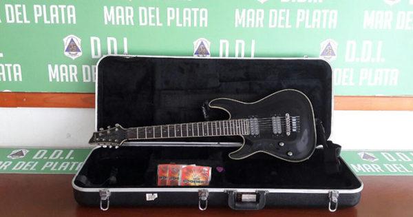 Le robó una guitarra y después se la quiso vender: fue detenido