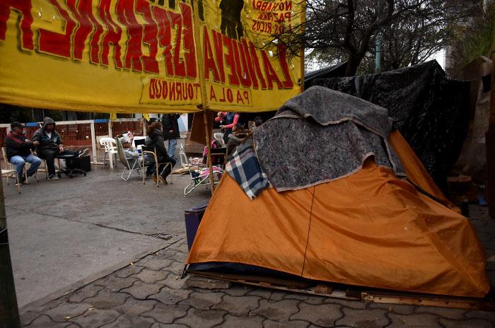 Acampe: más de 40 días de lucha sin soluciones ni respuestas